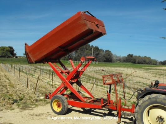 Grape harvest trailer